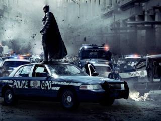 обои Бетмен на полицейской машине фото