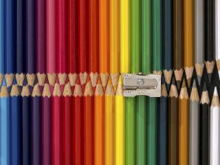 обои Набор карандашей в комплекте с точилкой фото
