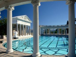 обои Красиво выложенный бассейн фото