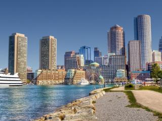обои Вид с набережной красивого современного города фото