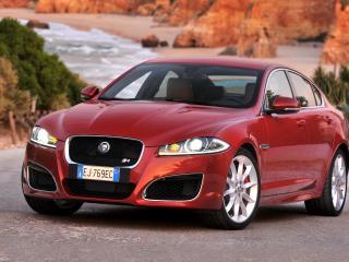 обои Jaguar XFR красного цвета фото