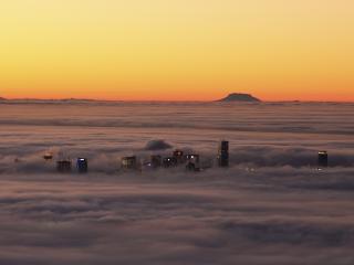 обои Туман над городом фото