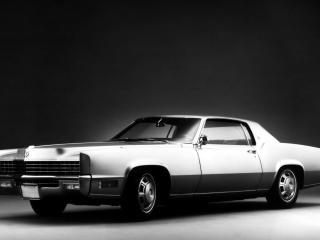 обои Cadillac,   вид спереди фото