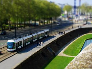 обои Трамвай на улицах города фото