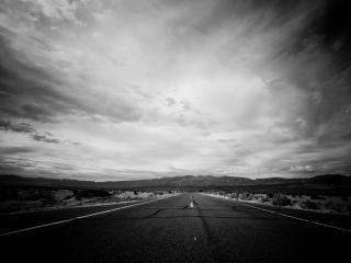 обои Черно-белое фото дороги фото