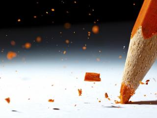 обои Сламался оранжевый карандаш фото