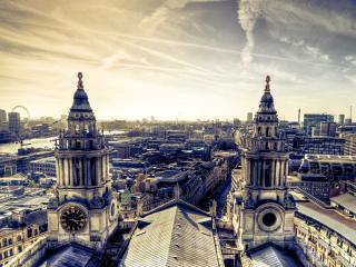 обои Вид города в его старой части фото