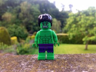 обои Злой игрушечный зеленый человечек фото