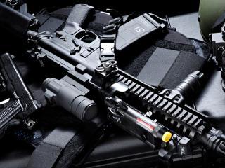 обои Автомат,   пистолет и прочее обмундирование фото