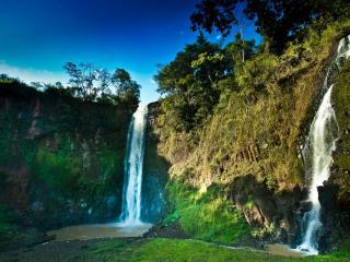 обои Два водопада с отвесных скал фото
