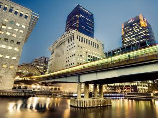 обои Мост в городе фото