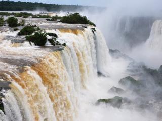 обои Водопад пенится и дымит фото
