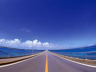 обои Дорога идущая мостом фото