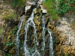 обои Пенистые ленточки водопада фото