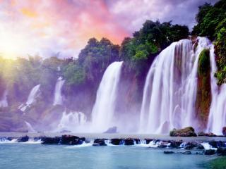 обои Река разделенная на водопады фото