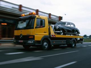 обои Mercedes-Benz Atego 917 Tow Truck 1998 бок фото