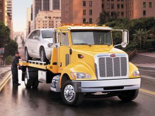 обои Peterbilt 335 4x2 Tow Truck 2007 перед фото