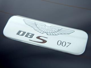 обои Aston Martin DBS 007 Casino Royale 2006 знак фото