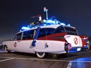 обои Cadillac Ambulance Ectomobile by Miller-Meteor 1984 боком фото