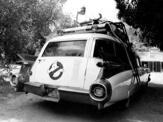 обои Cadillac Ambulance Ectomobile by Miller-Meteor 1984 зад фото