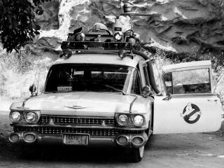 обои Cadillac Ambulance Ectomobile by Miller-Meteor 1984 перед фото