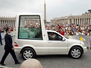 обои Mercedes-Benz ML 430 Popemobile (W163) 2002 бок фото