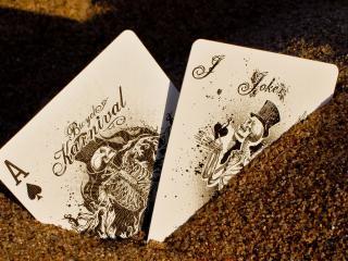 обои Две карты в мелких камешках фото