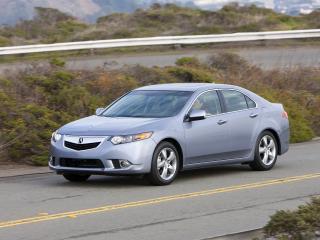 обои Acura TSX 2010 мчиться фото