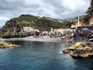 обои Небольшой прибрежный городок фото