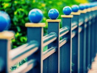 обои Красивая голубая ограда фото