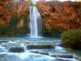 обои Водопад и река на застывшей магме фото
