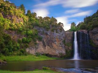 обои Небoльшой водопад на реке фото