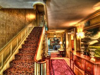 обои Шикарная лестница особняка фото