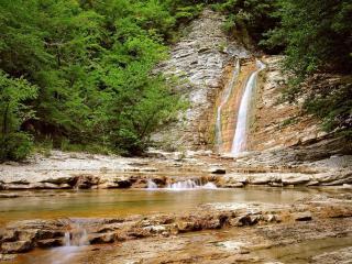 обои Красивые перекаты водопада на реке фото