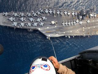 обои Военный авианосец вид сверху фото