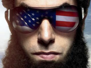 обои Мужчина с бородой и в очках с американским флагом фото