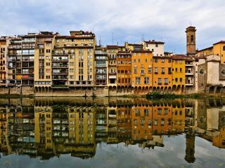 обои Отображение зданий в водоеме фото