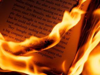 обои Книга в огне фото