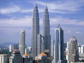 обои Город с высокими зданиями фото