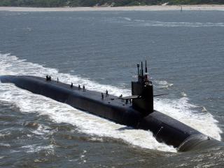обои Всплывает лодка подводная фото
