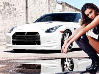 обои Модель на фоне автомобиля фото
