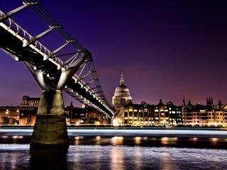 обои Мост ведущий в ночной город фото