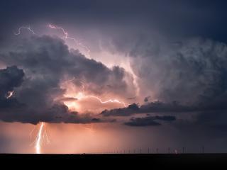обои Розводы неба молниями фото