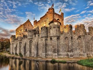 обои Старинная хорошо сохранившаяся крепость фото