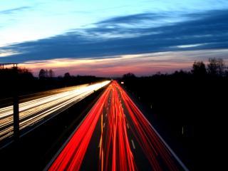 обои Светятся дороги в сумерках вечерних фото