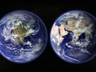 обои Планета в двух проекциях на темном фоне фото