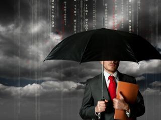 обои Мужчина с документами под зонтом черным фото