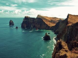 обои Красивые скалы у моря фото