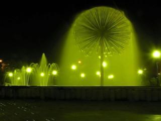 обои Зелёные фонтаны фото