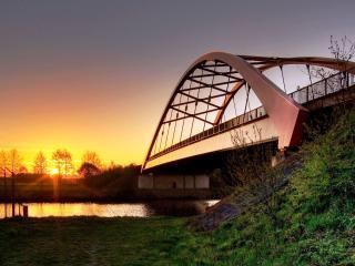 обои Мост у деревни фото